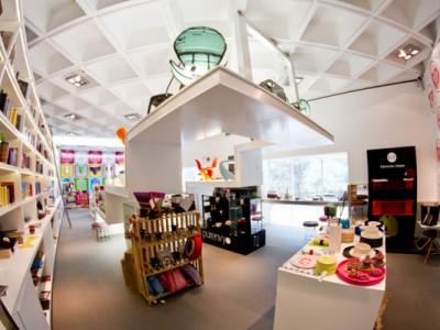 Vista completa de la tienda del Museo Rufino Tamayo